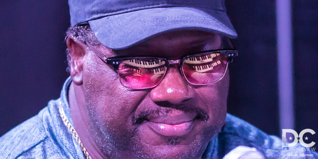 Melvin Seals on keys (as seen in his glasses)