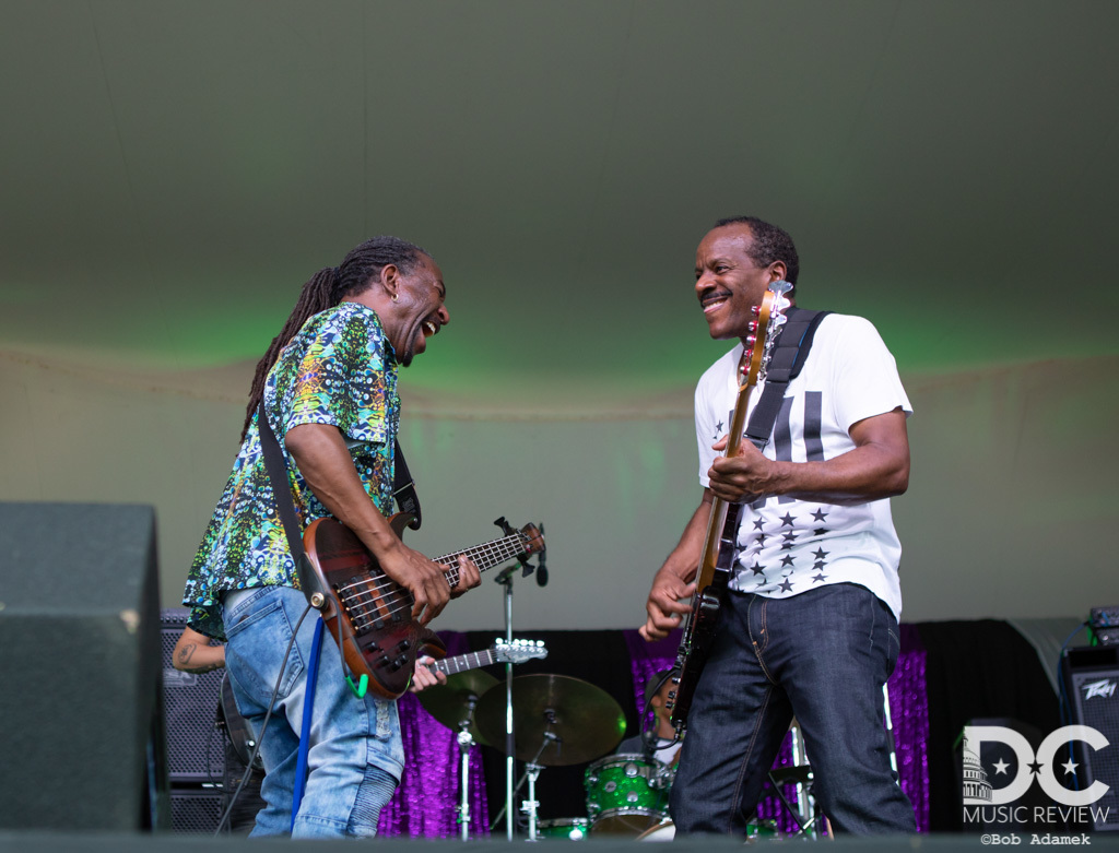 Dumpstaphunk shows how to play the funkiest bass solos